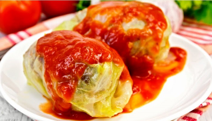 Old-Fashioned Stuffed (Holishkes) Cabbage